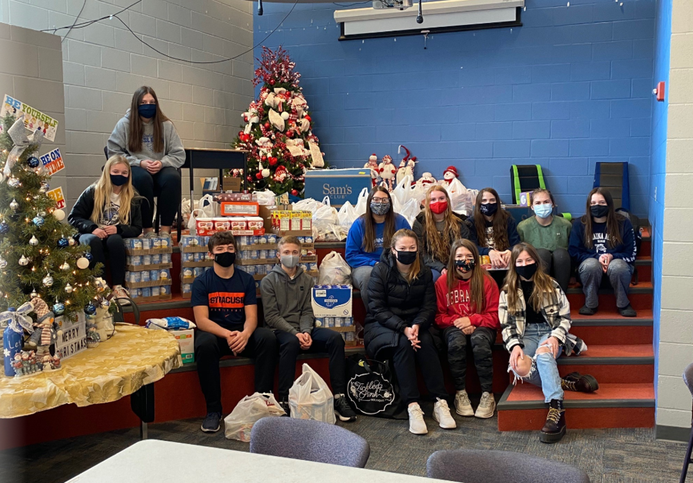 Student Council Collects Over 1600 Items for Local Food Bank
